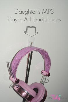 3M hooks headphones